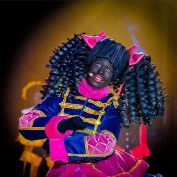 zwartepiet sinterklaas kostuum circus promotie pruik
