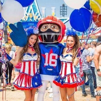 intens promotie festival mascotte looppak football amerika