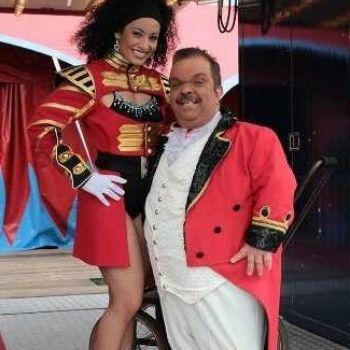 milko circus herman rent kostuum spreekstalmeester bedazzled