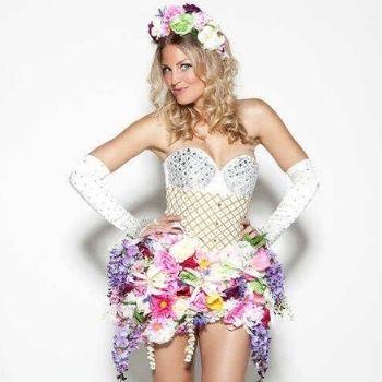 bloemen kostuum hostess promotie bedazzled